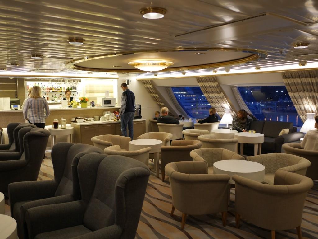 Commodore lounge