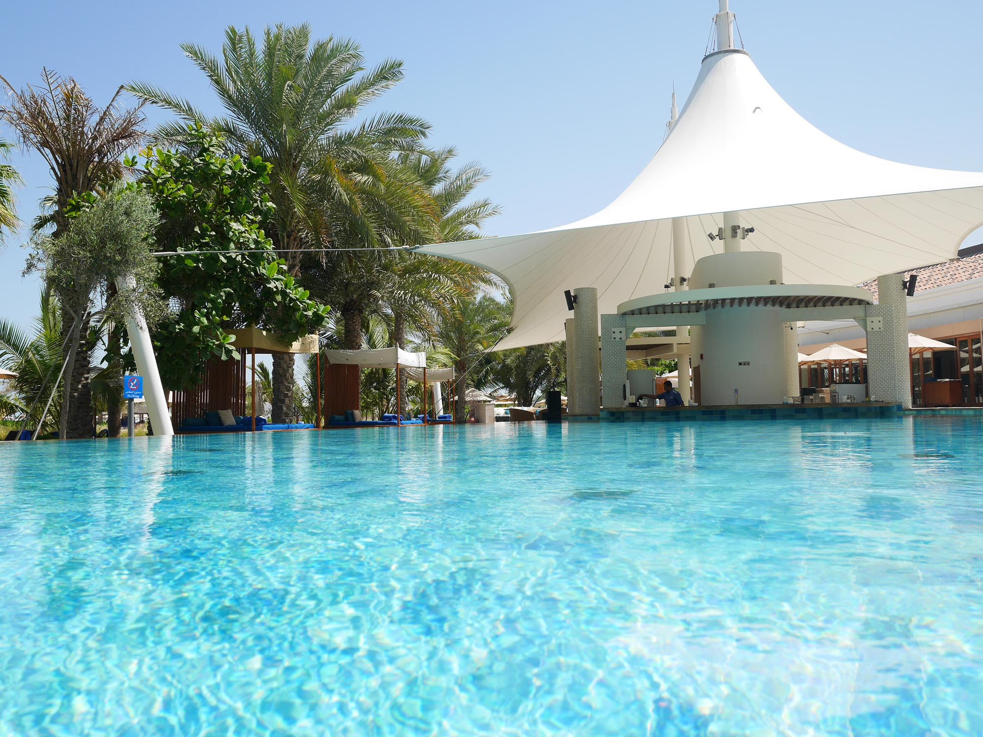 Ritz Carlton Dubai pool