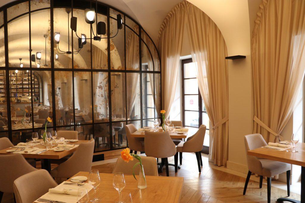Restauranger i Warszawa La Rottiserie