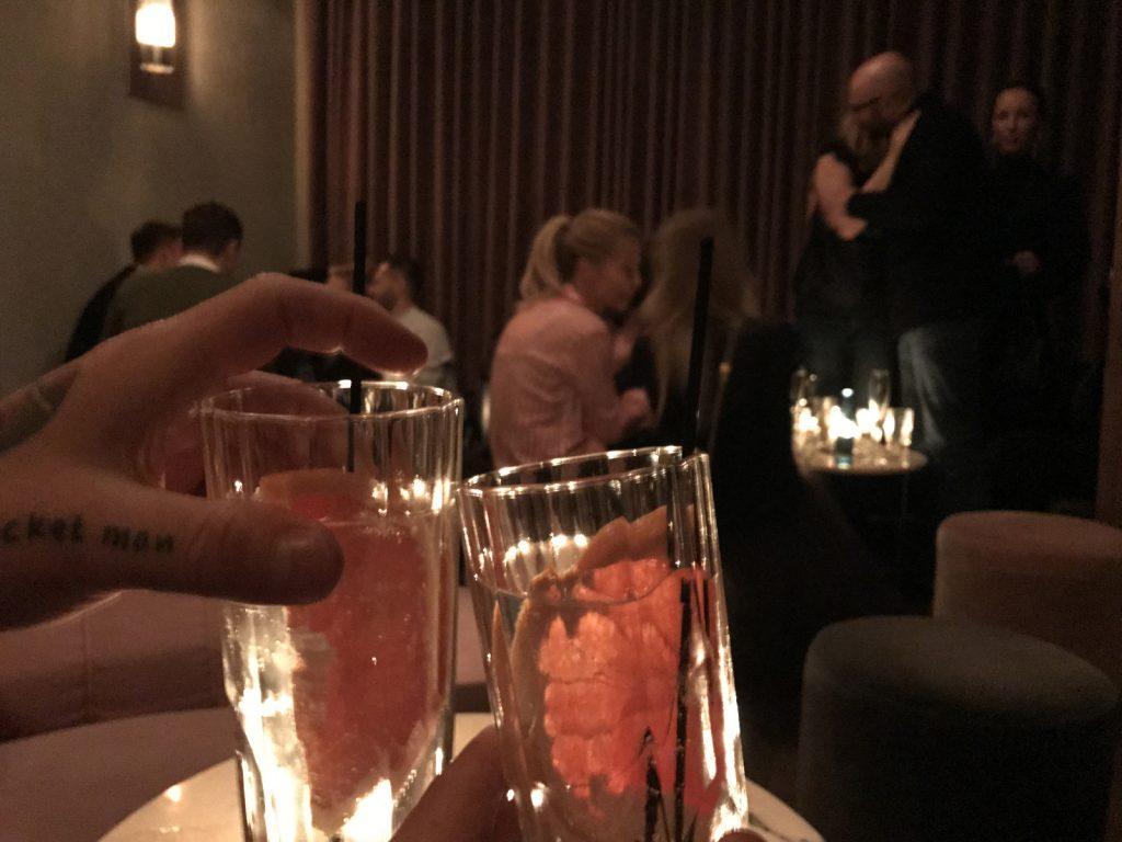 Cocktailbarer i Warszawa Charlie