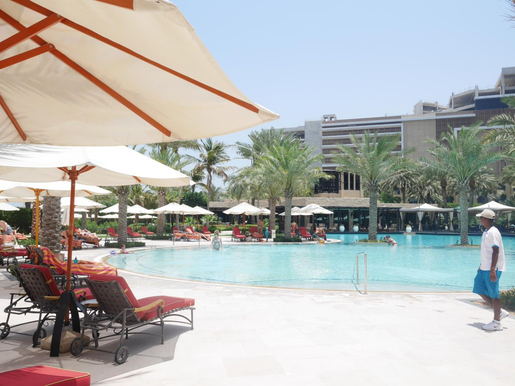 One and only royal mirage POOL
