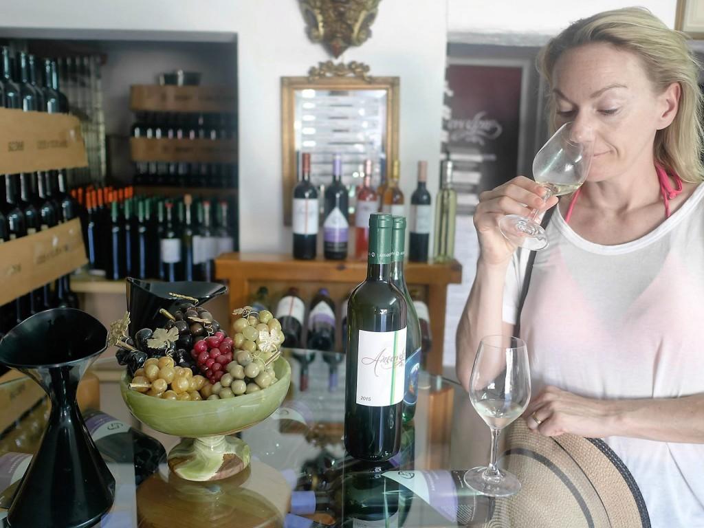 Vinprovning Rhodos hos Alexandris Family Winery