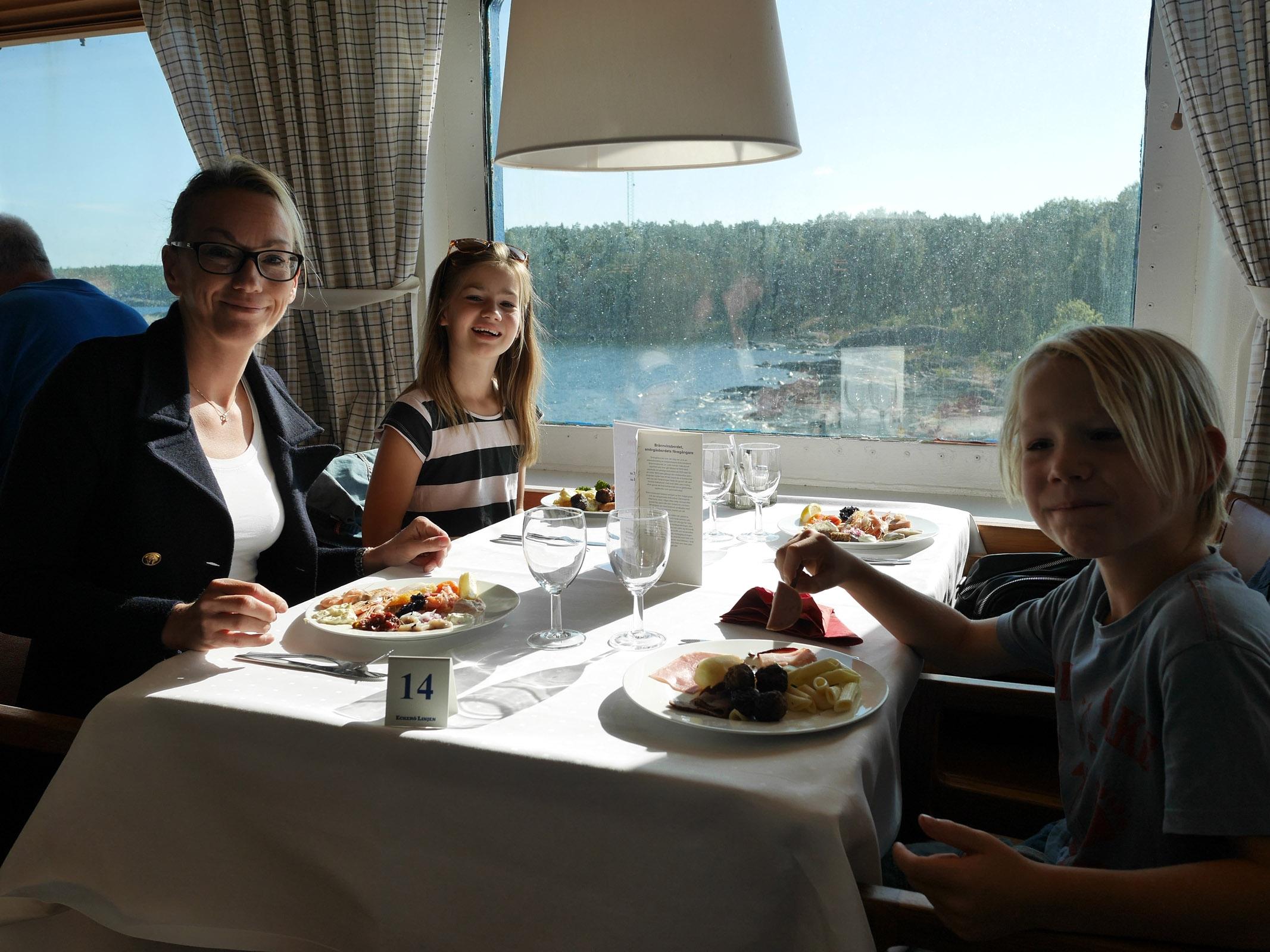Färja till Åland med Eckerölinjen