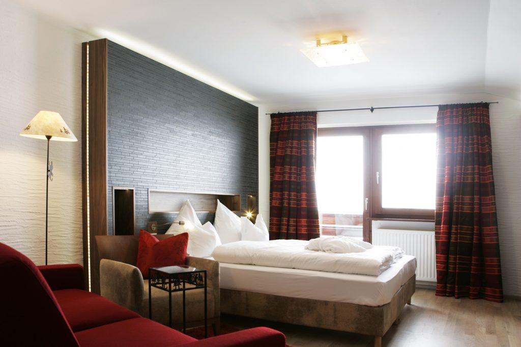 Hotel Goldener Berg i Oberlech - rum