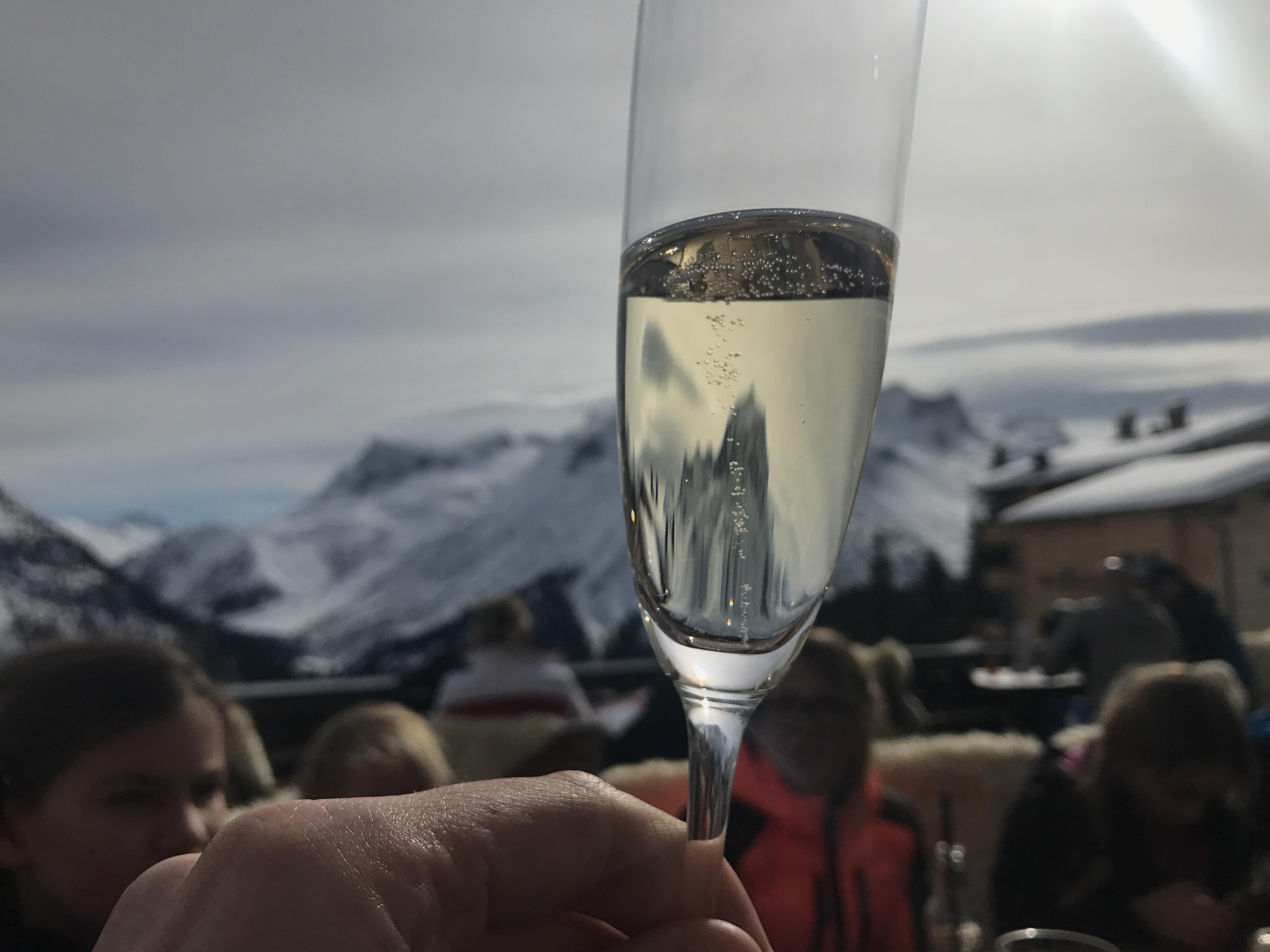 Hotel Goldener Berg i Oberlech - Maten