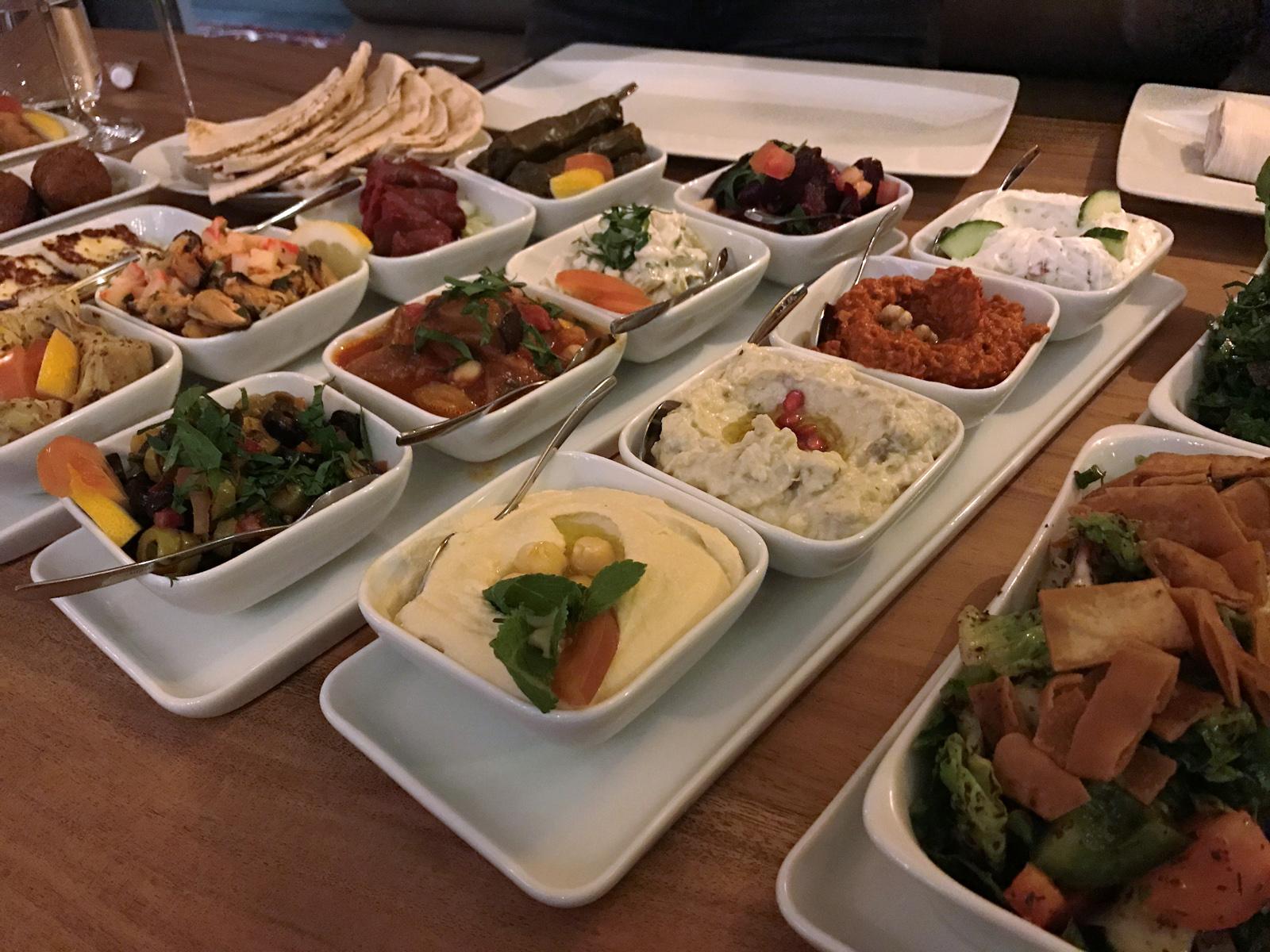 libanesisk lunchbuffe stockholm