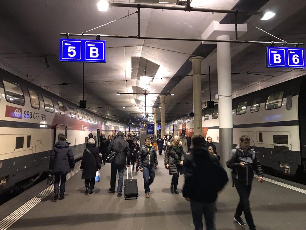 Med tåg till Interlaken från Zurich