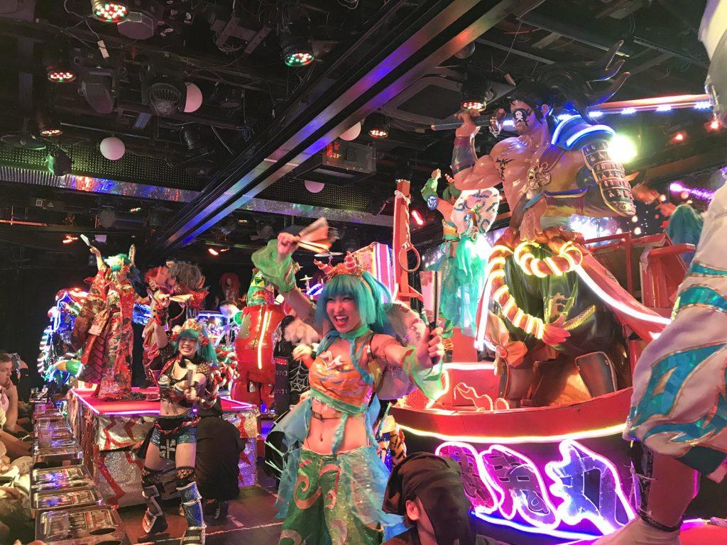 Robot Restaurant i Tokyo