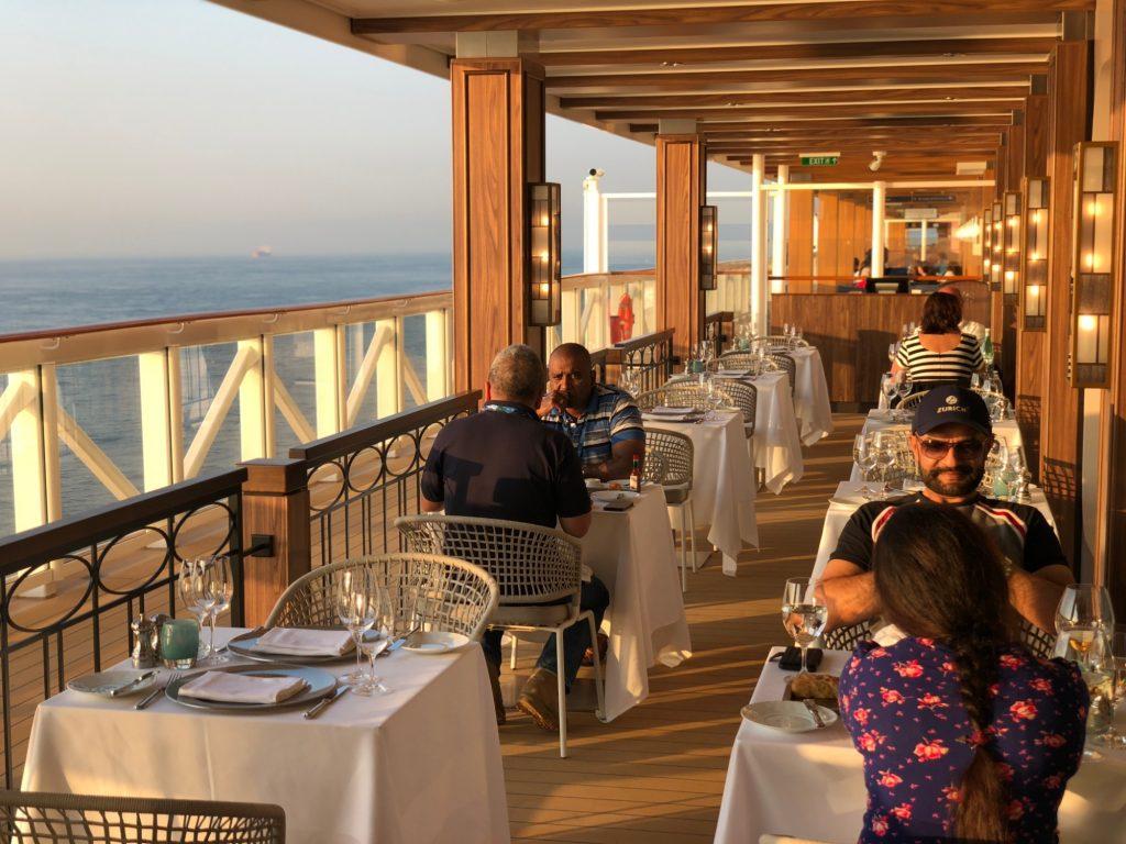 Restauranger på Norwegian Bliss Ocean Blue