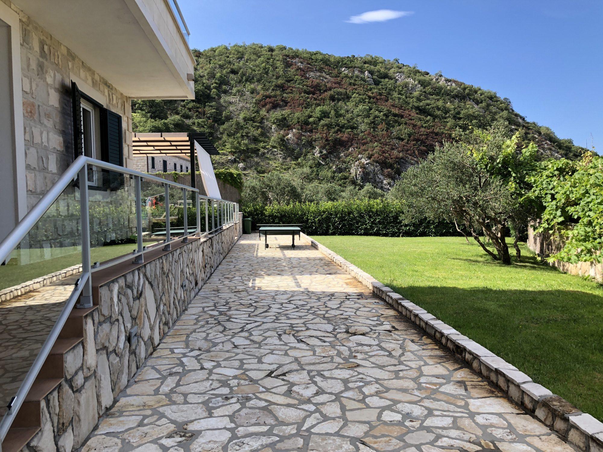 Hyra hus i bergen nära Dubrovnik
