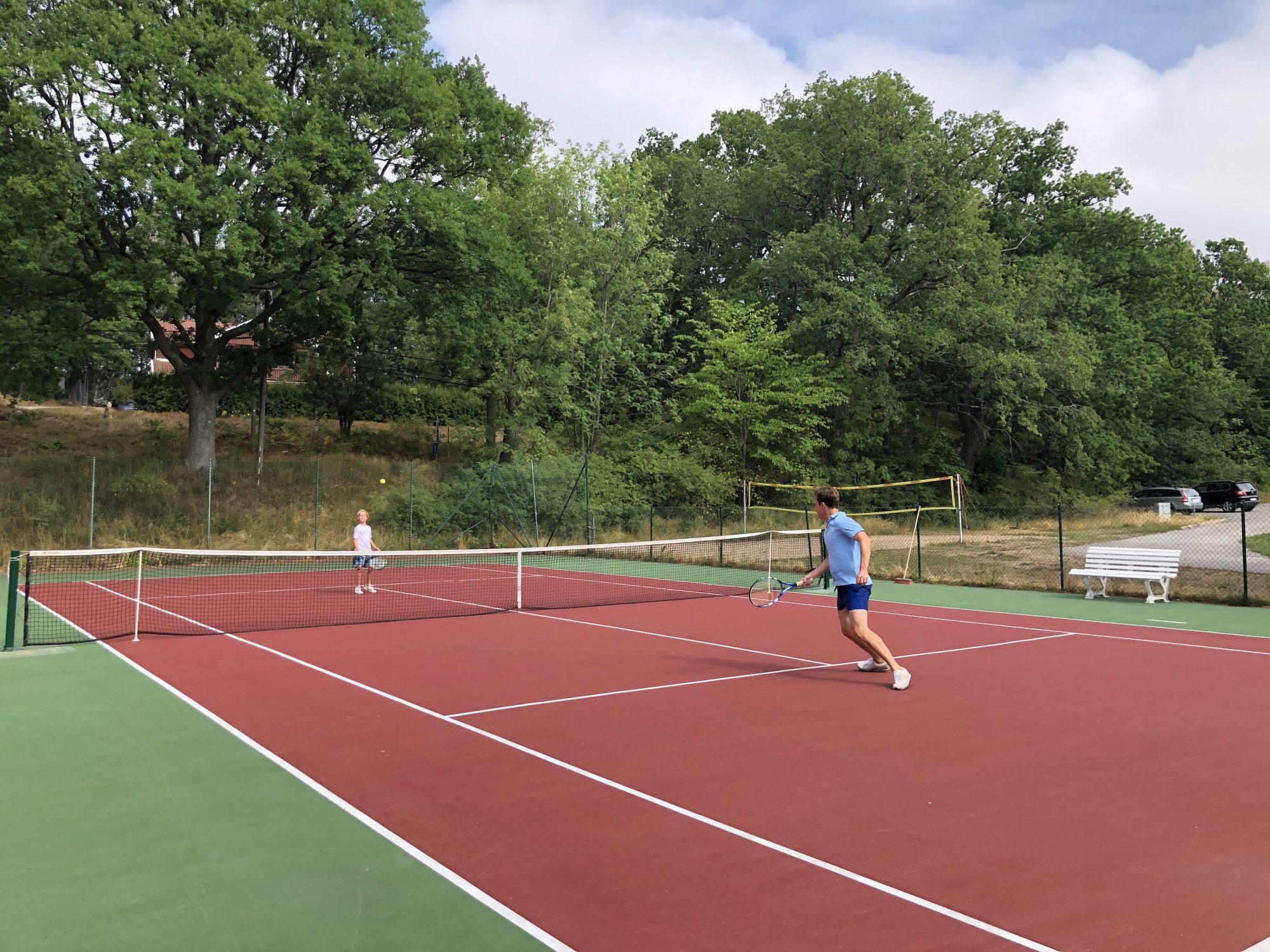 Tennis på Smådalarö Gård