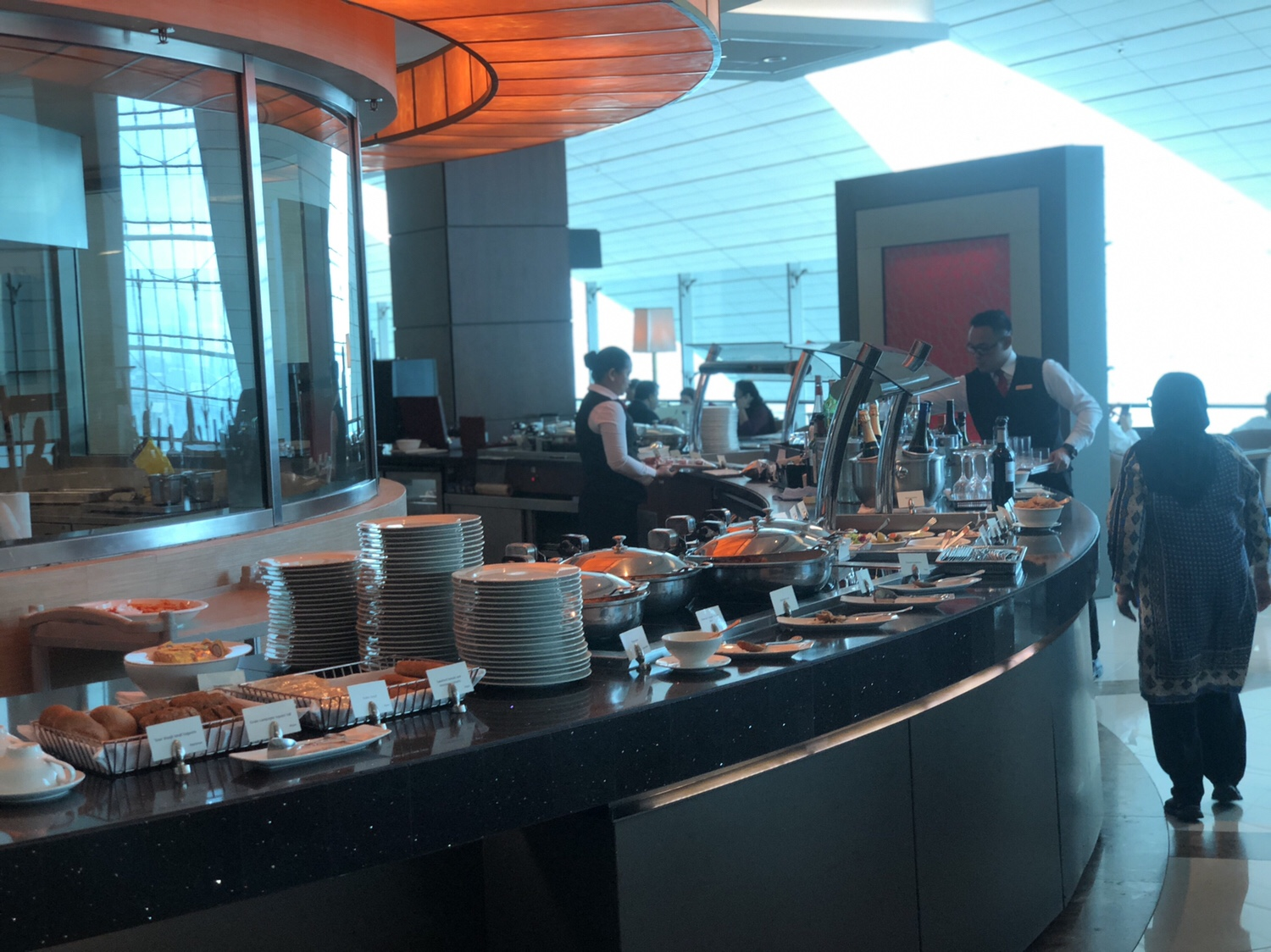 Emirates business class-lounge