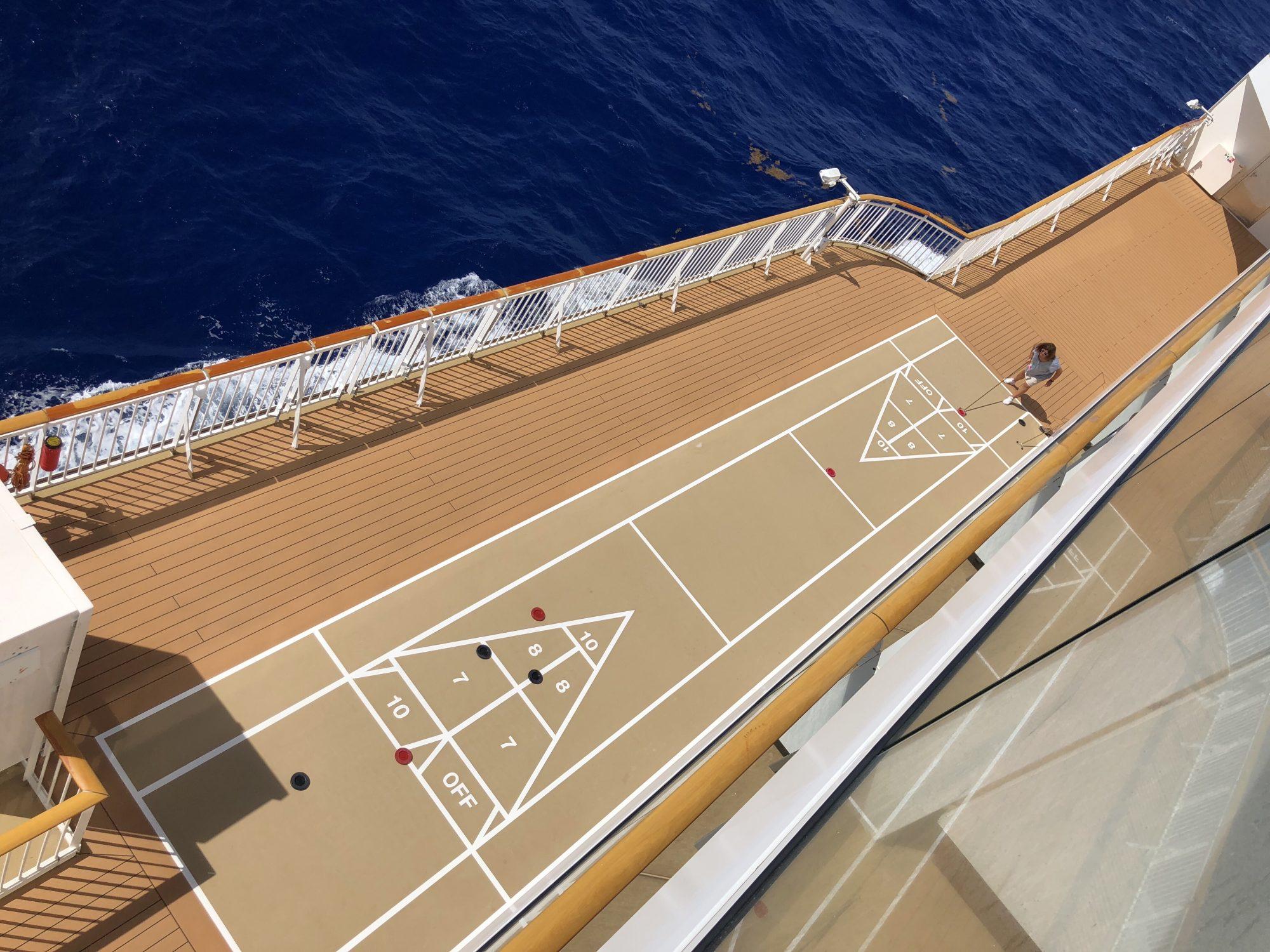 Shuffleboard på Norwegian Cruise Line