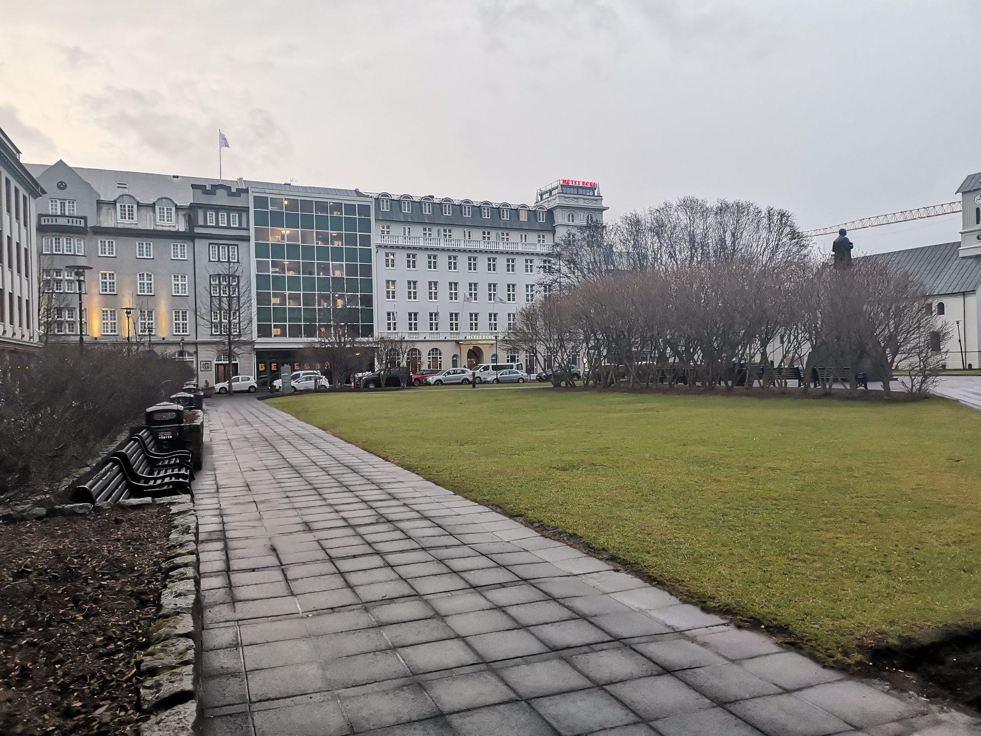 Austurvöllur SquareSightseeing i Reykjavik