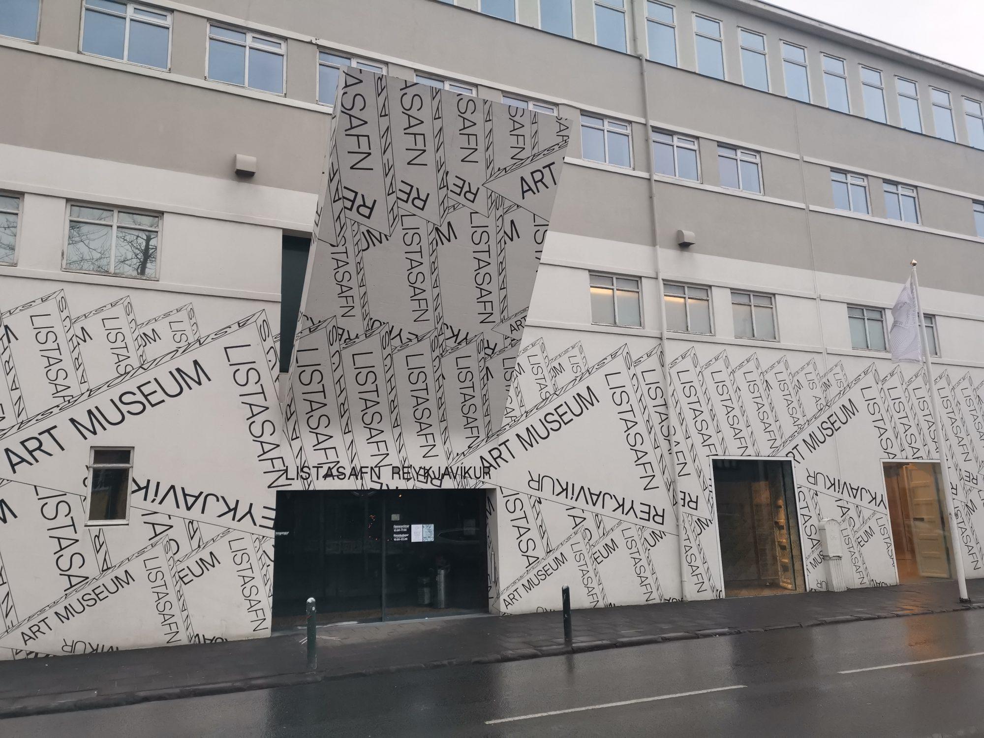 Sightseeing i Reykjavik konstmuseum