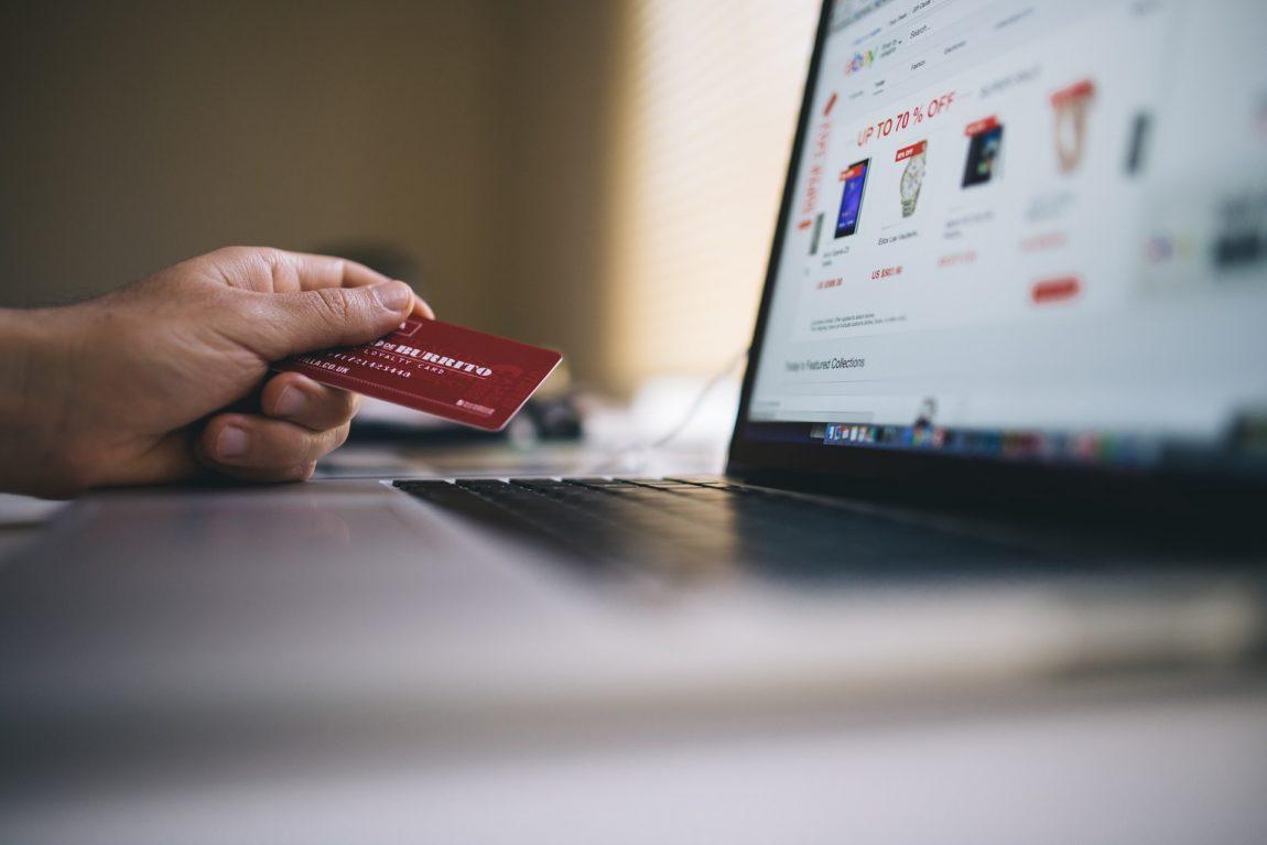 Kreditkort för resan utan årsavgifter