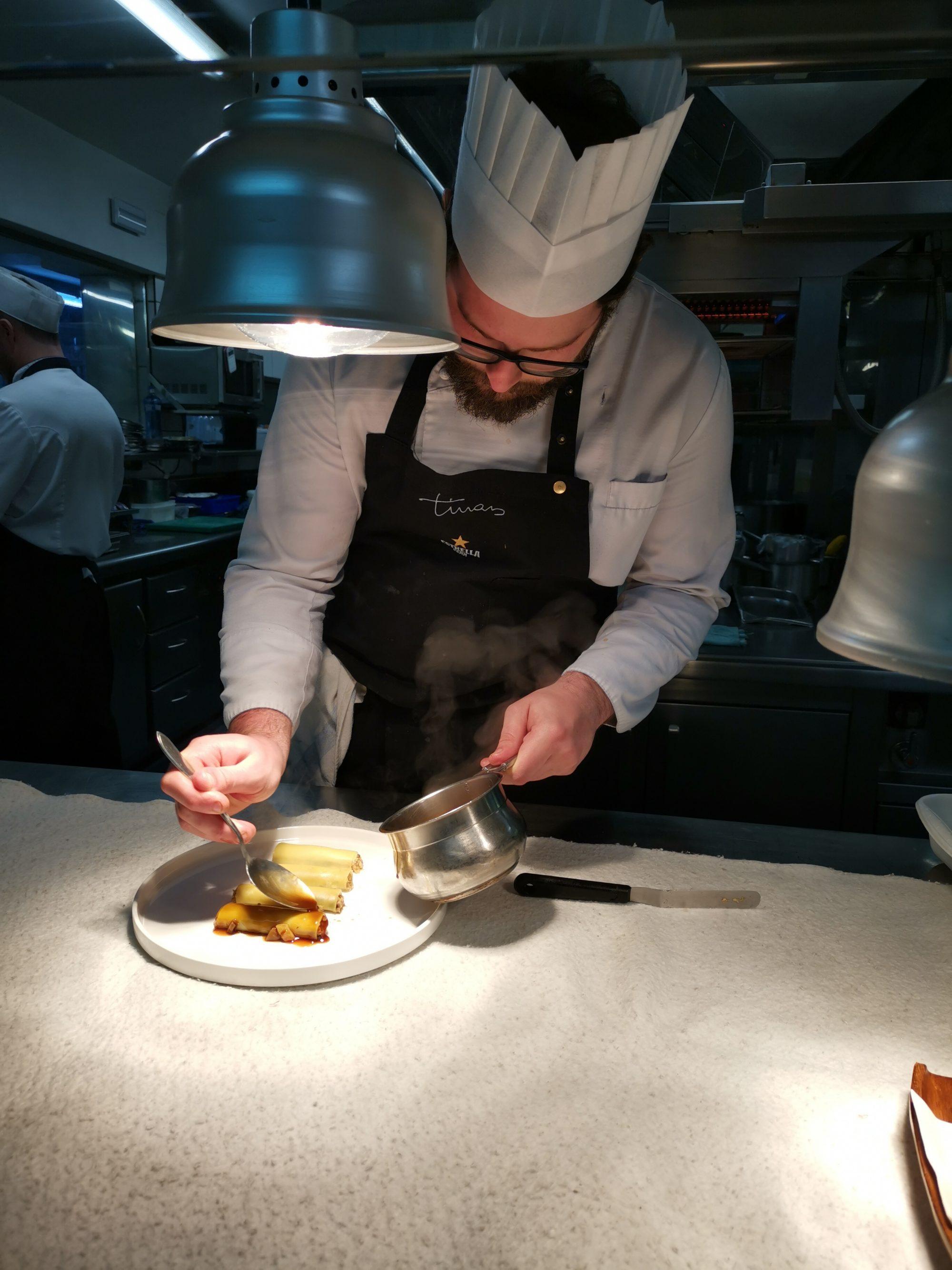 Besök inne i köket på Els Tinars