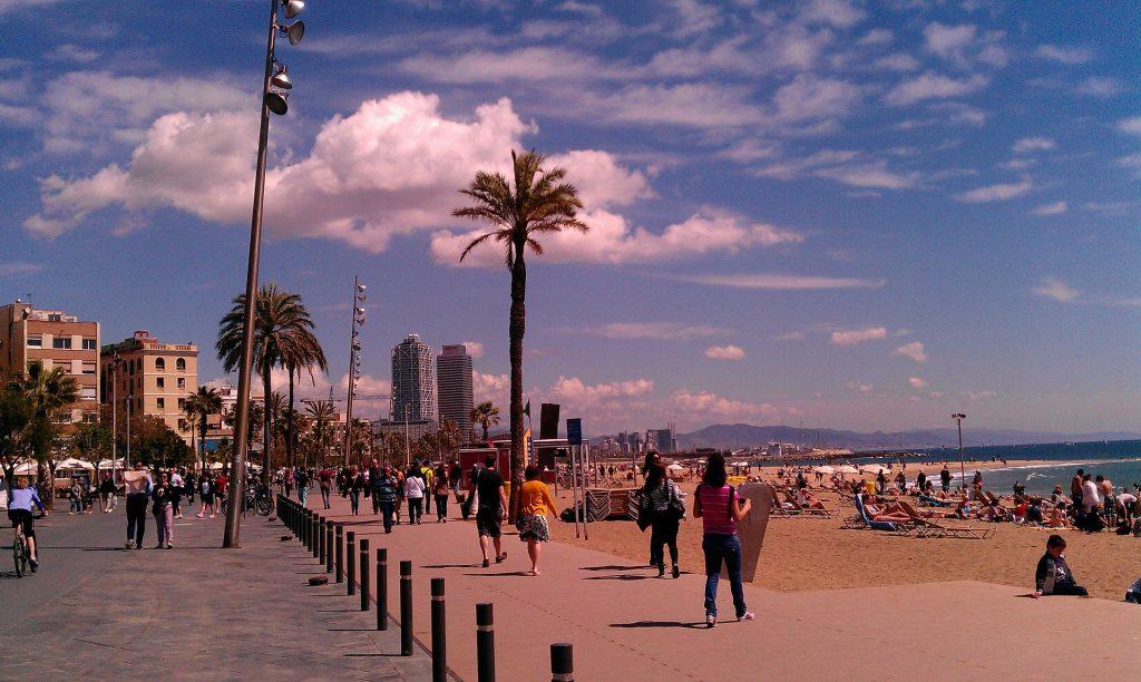 Barcelonas stränder mitt i stan