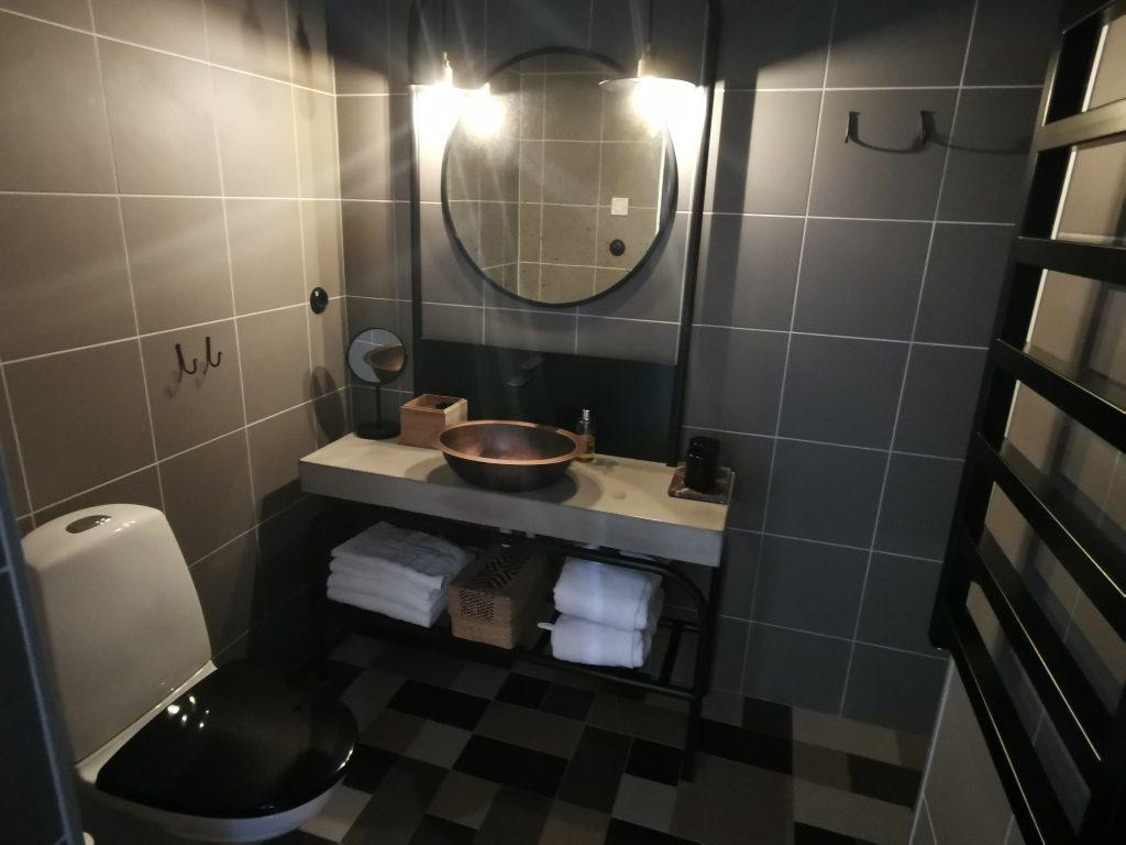 Hotell i Fiskebäckskil - Slipens Hotell - badrum