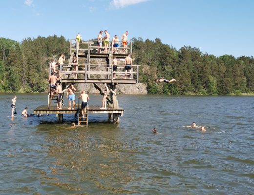 Hopptorn på Ängsholmsbadet i Täby