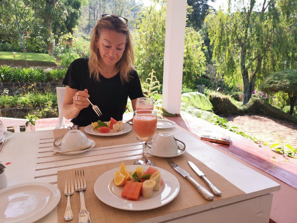 Frukost på altanen