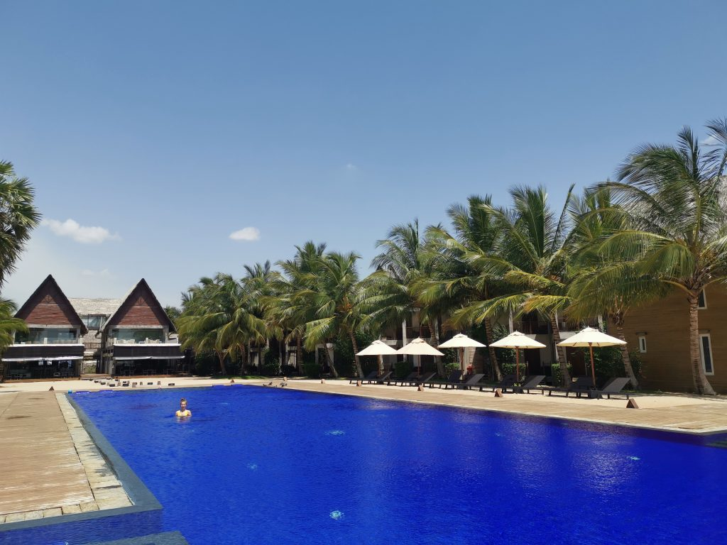 Maalu Maalu Resort & Spa pool