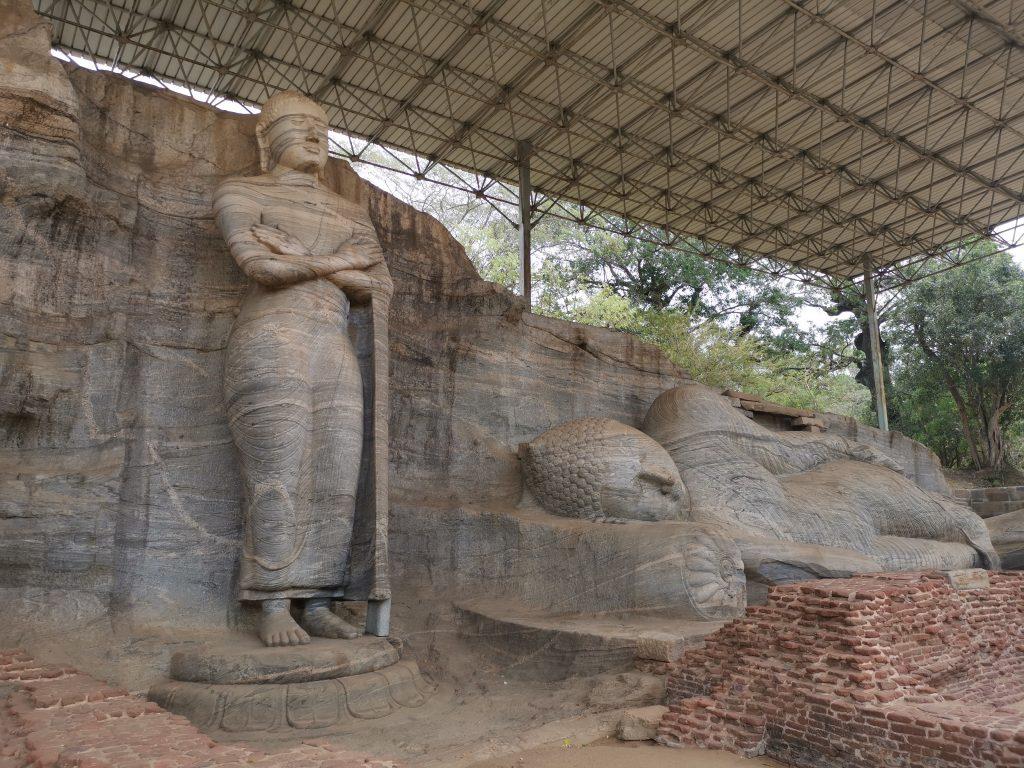Buddha som ung, gammal och död