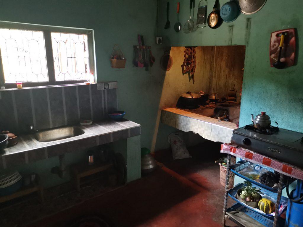 Lunch hemma hos en familj på Sri Lanka