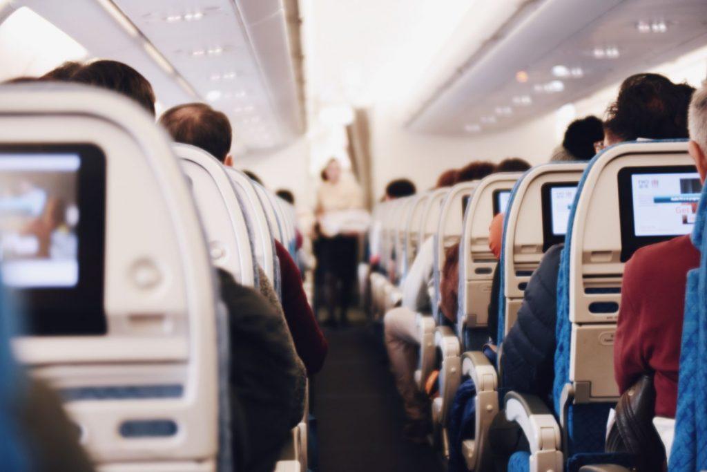 De 10 mest oförskämda sakerna du kan göra på ett flygplan