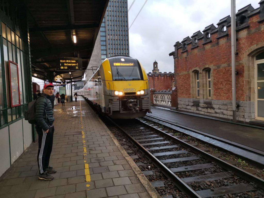 Tåg från Gent till Antwerpen