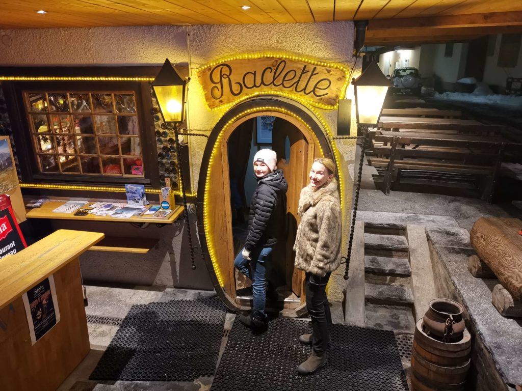 Restauranger i Verbier La Caveau