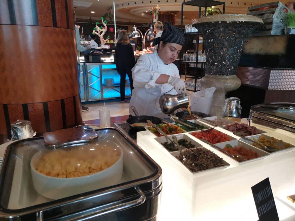 Restauranger på Al Raha Beach Hotel