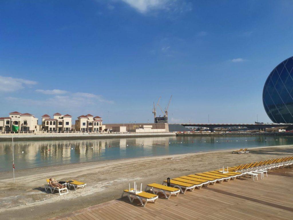 Al Raha Beach Hotel Strand