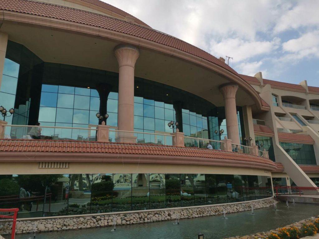 Fredagsbrunch i Abu Dhabi