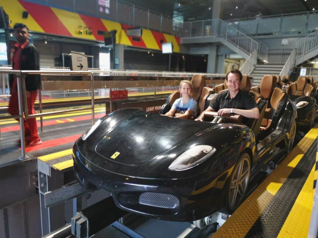Berg-och-dalbana - Ferrari World i Abu Dhabi