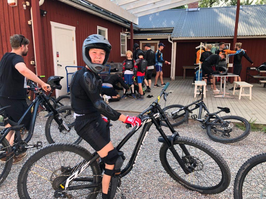 Downhill i Järvsö hyra cykel