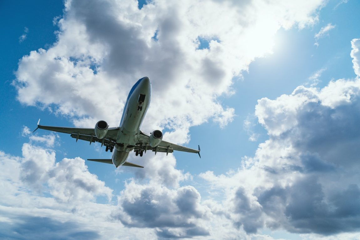 Flyga utomlands innan 15 juli