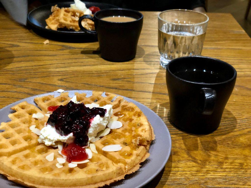 Frukost på Downtown Camper