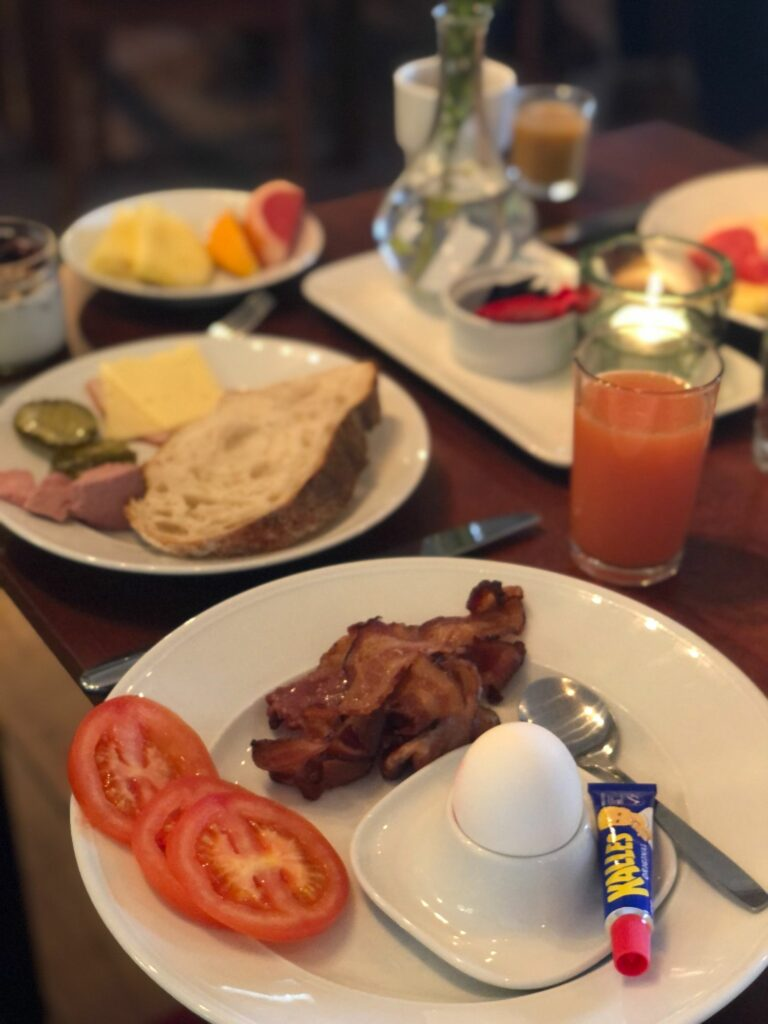 Frukost i Tornvillan på Hotell J