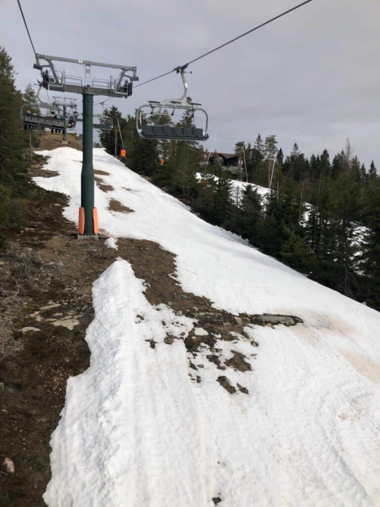 Snö i backarna - ingen offpist