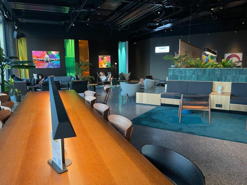 Lobby och bar på Comfort Hotel Arlanda