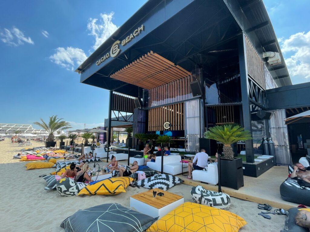 De bästa strandklubbarna vid Sunny Beach - Cacao Beach