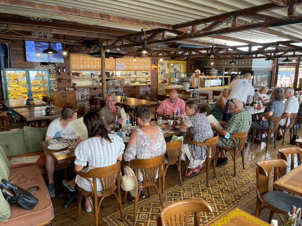 saker att göra i Varna - restauranger vid hamnen